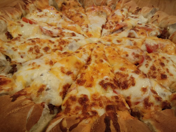 d2baconcheeseburgerpizza