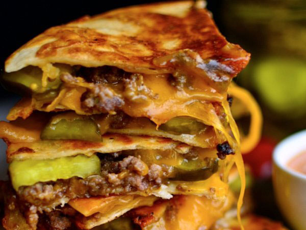d2cheeseburgerfquesadilla