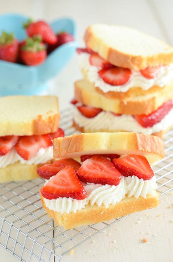 d2strawberryshortcakesandwiches