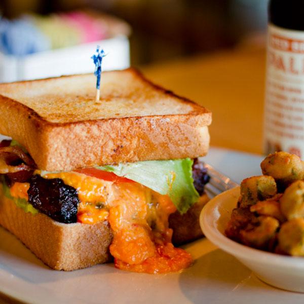 smoked rib and bbq cheese texas toast sandwich