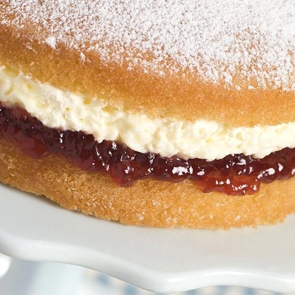 Berry and cream cake